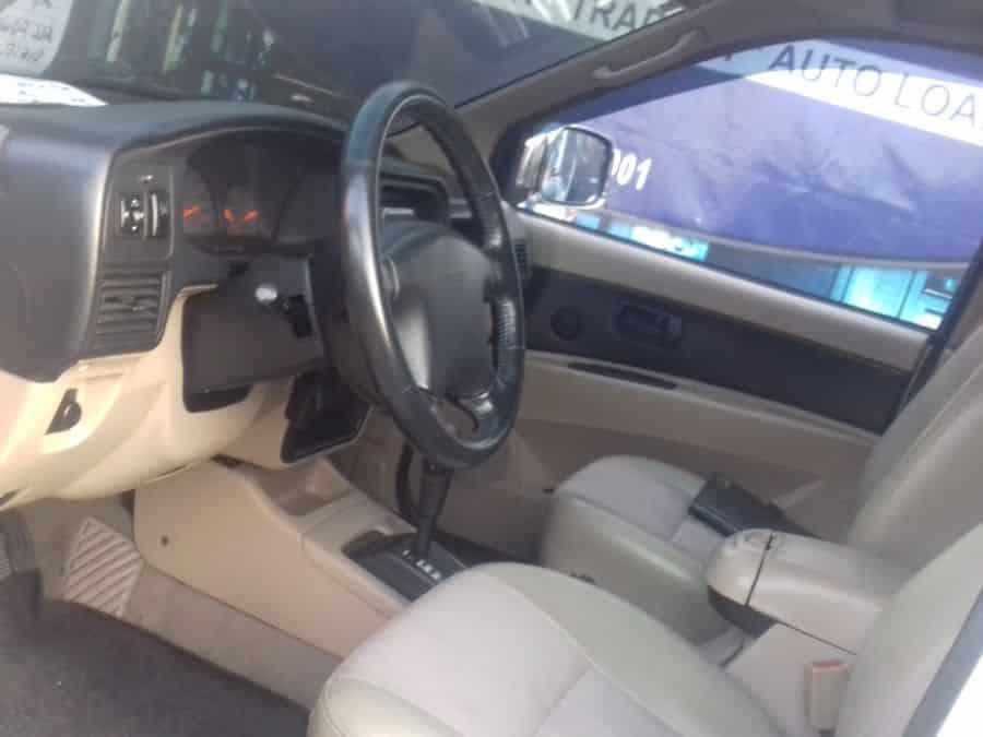 2009 Isuzu Crosswind - Interior Front View