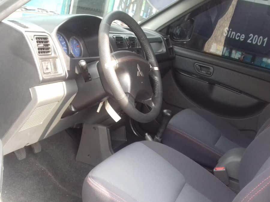 2014 Mitsubishi Adventure - Interior Front View