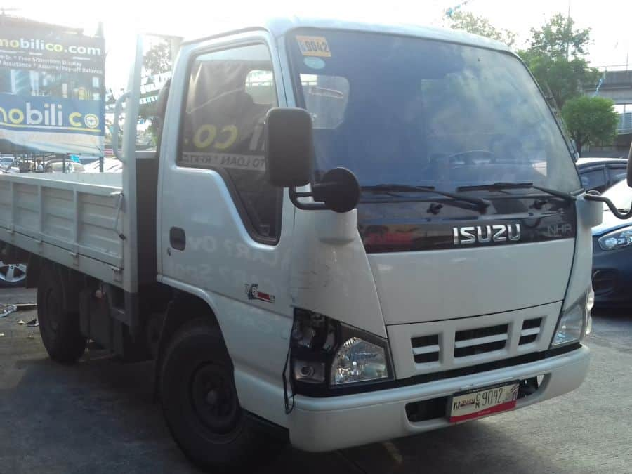 2015 Isuzu NHR - Right View