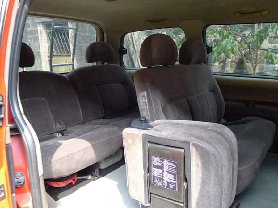 1999 Hyundai Starex - Right View