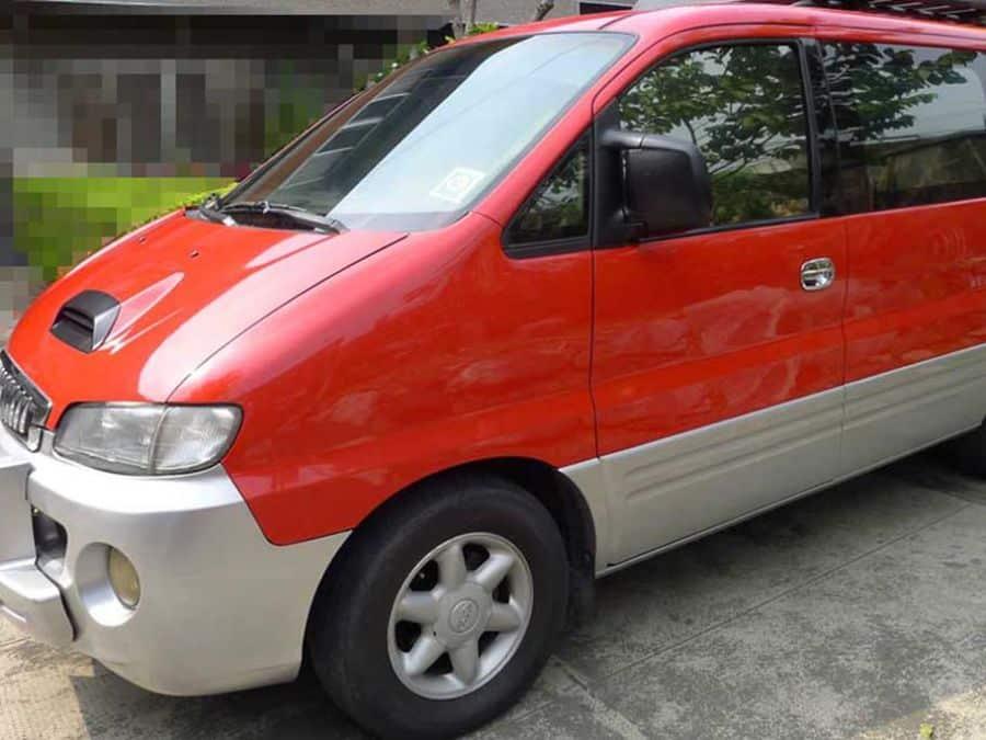 1999 Hyundai Starex - Left View