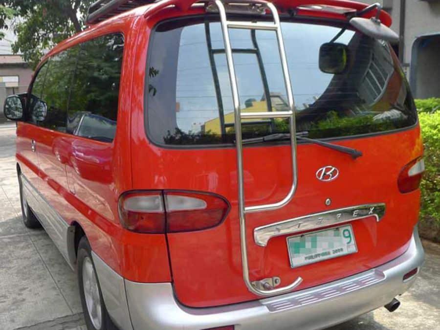 1999 Hyundai Starex - Rear View