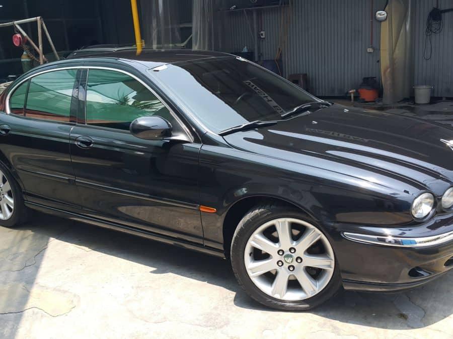 2003 Jaguar X-Type - Left View