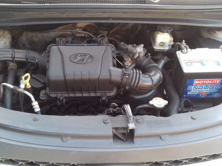 2012 Hyundai i10 - Interior Rear View