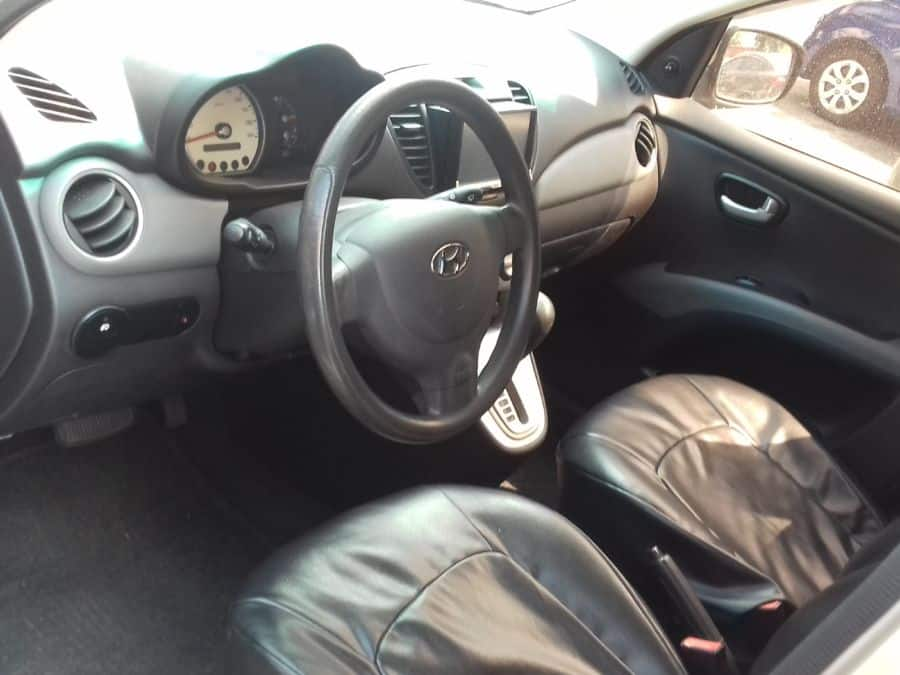 2010 Hyundai i10 - Interior Front View