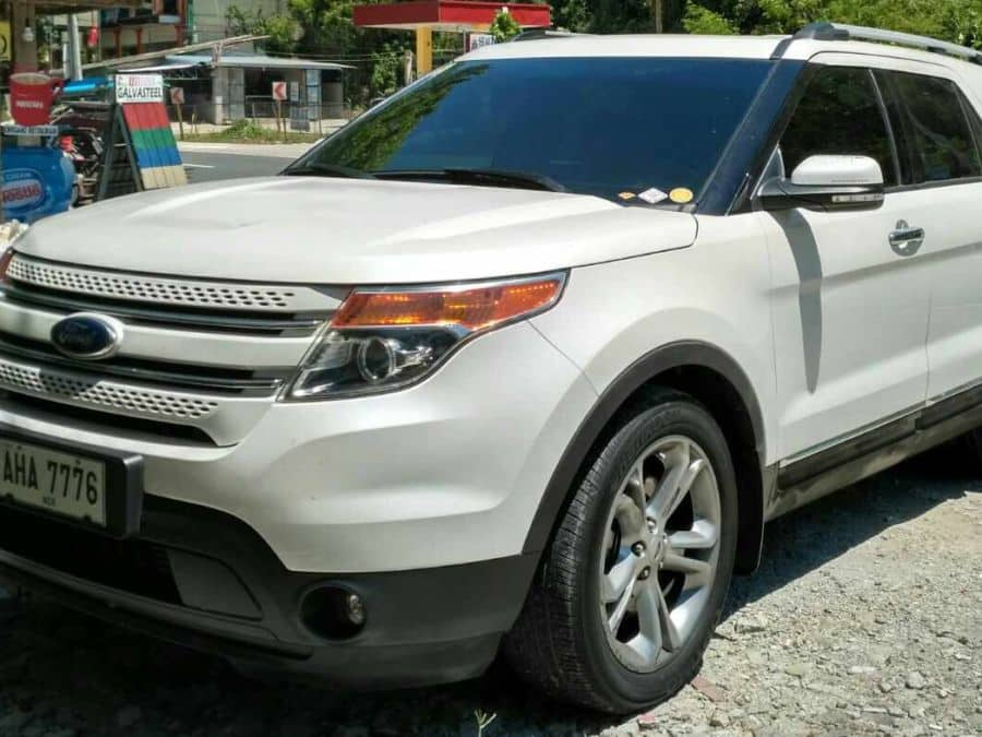 2015 Ford Explorer - Left View