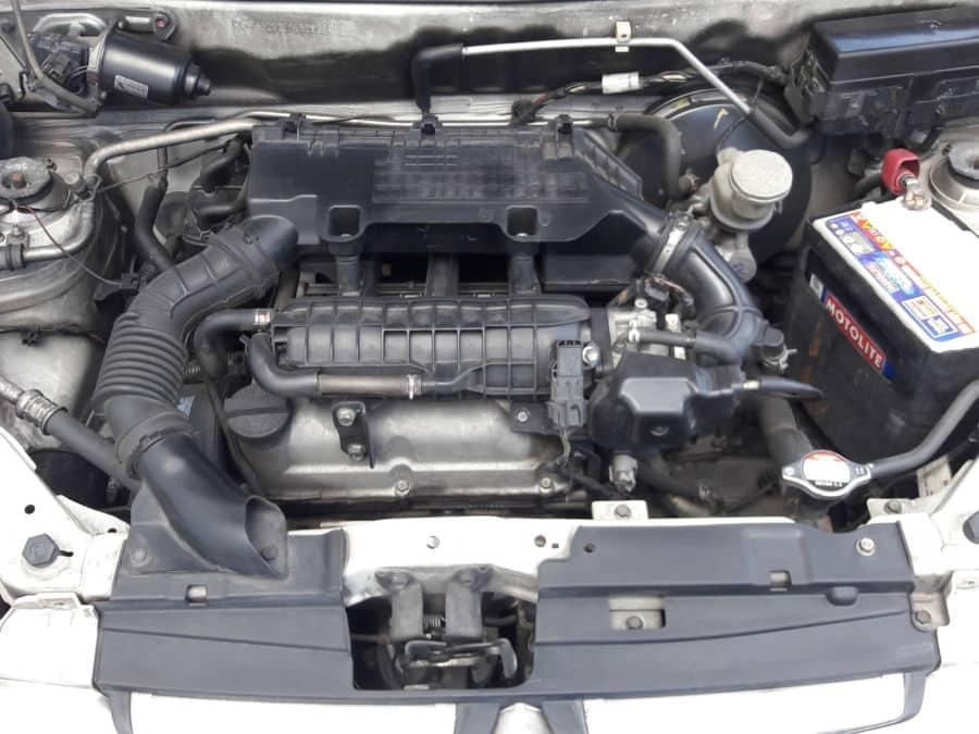 2013 Suzuki Alto - Interior Rear View