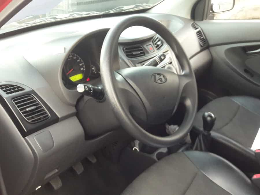 2015 Hyundai Eon - Interior Front View