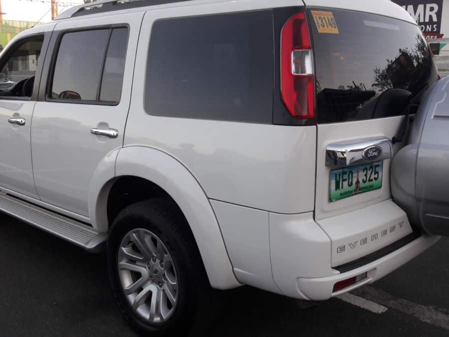 2013 Ford Everest - Left View