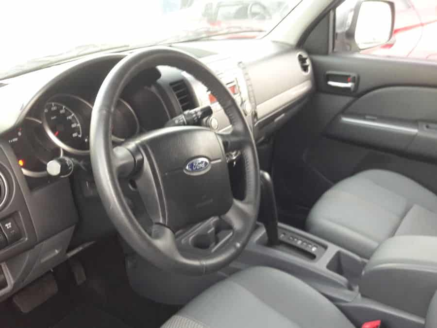 2013 Ford Everest - Interior Front View
