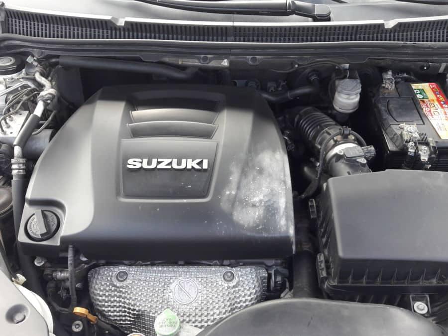2013 Suzuki Kizashi - Interior Rear View