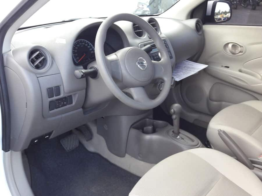 2015 Nissan Almera - Interior Front View