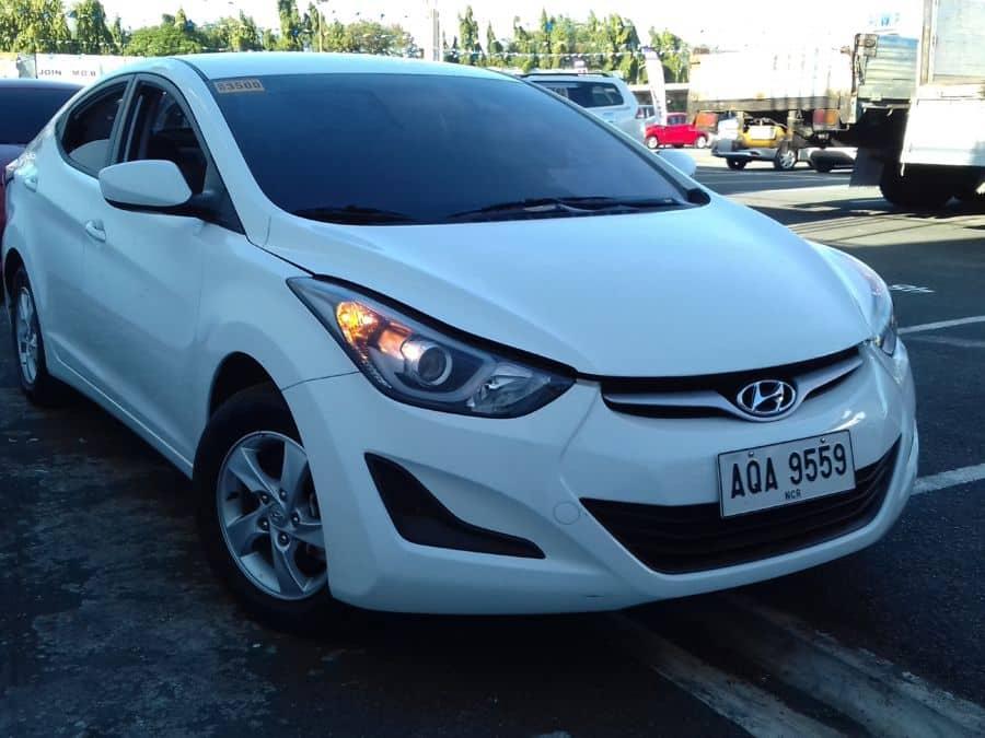 2015 Hyundai Elantra - Right View