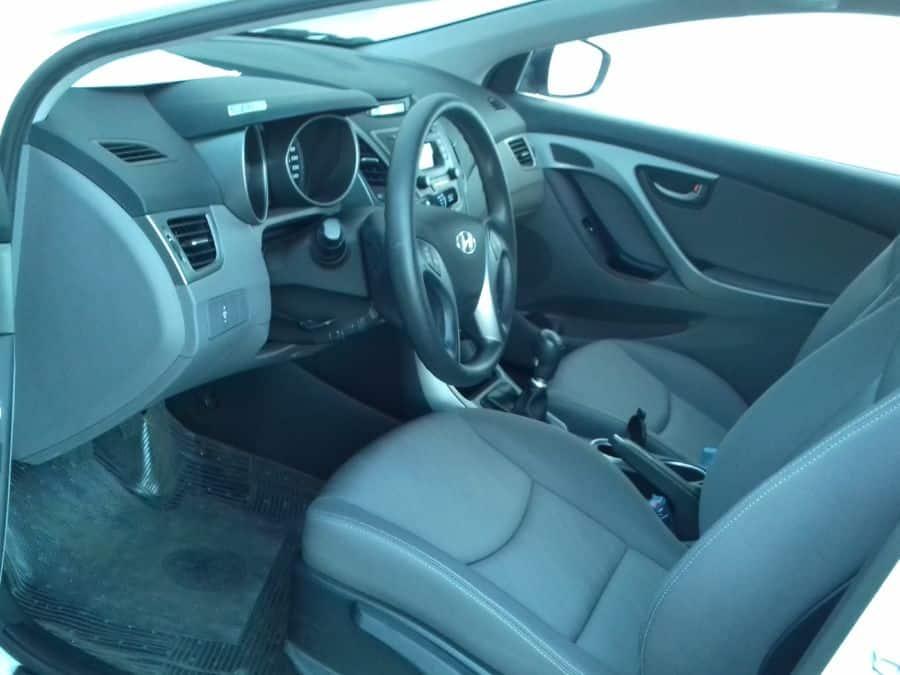 2015 Hyundai Elantra - Interior Front View