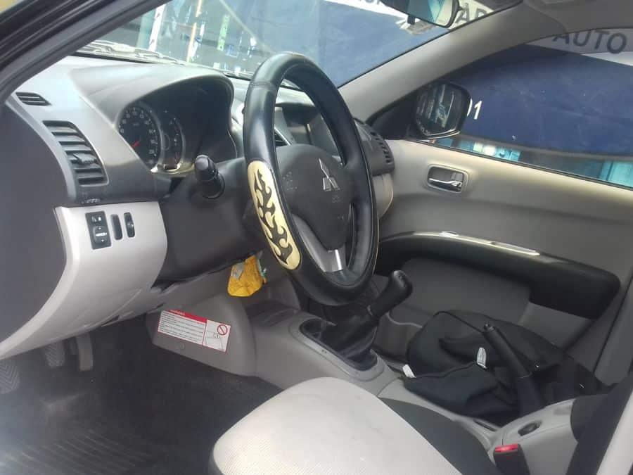 2014 Mitsubishi Strada - Interior Front View