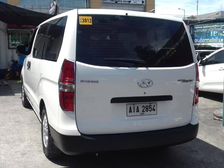 2014 Hyundai Grand Starex - Rear View