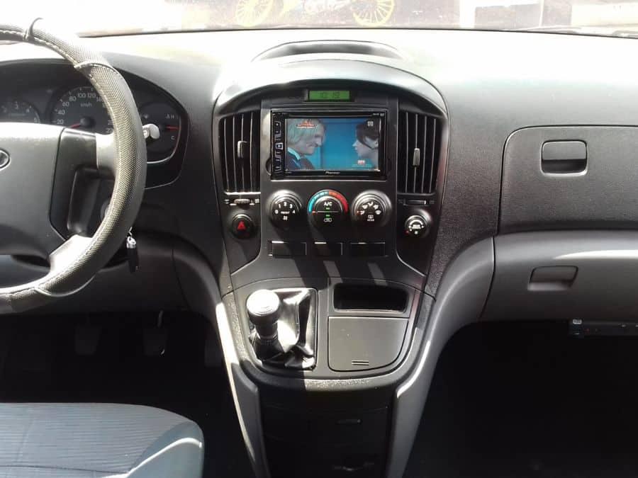 2014 Hyundai Grand Starex - Interior Front View