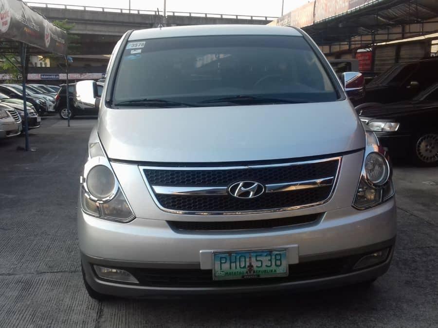 2010 Hyundai Grand Starex - Front View