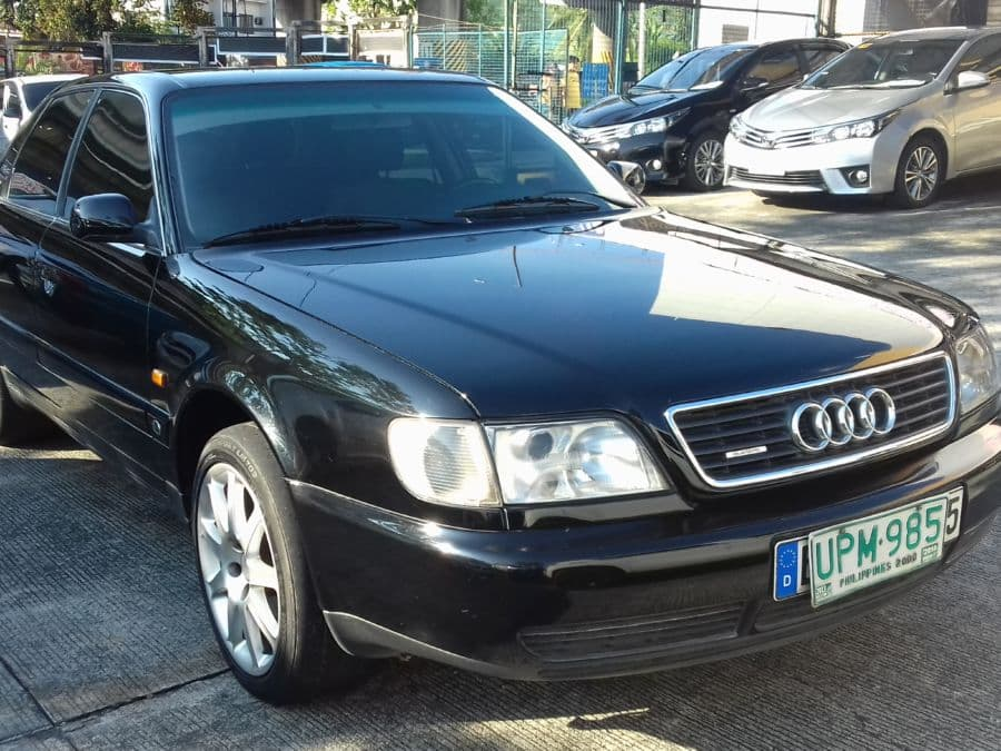 1997 Audi A6 - Right View
