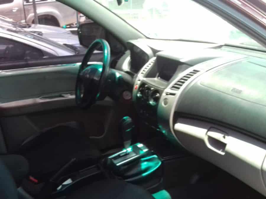 2009 Mitsubishi Montero Sport - Interior Front View