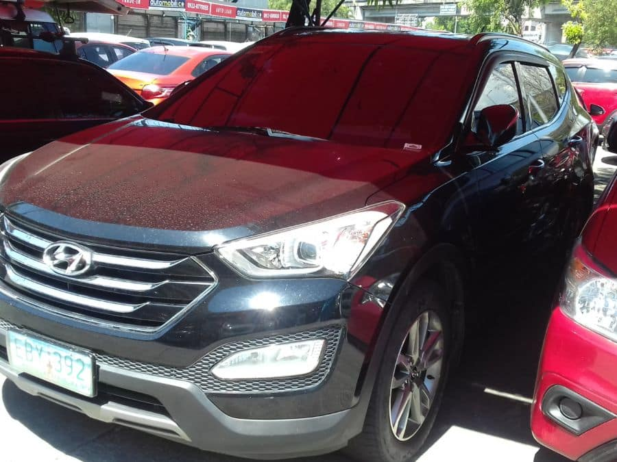 2013 Hyundai Santa Fe - Left View