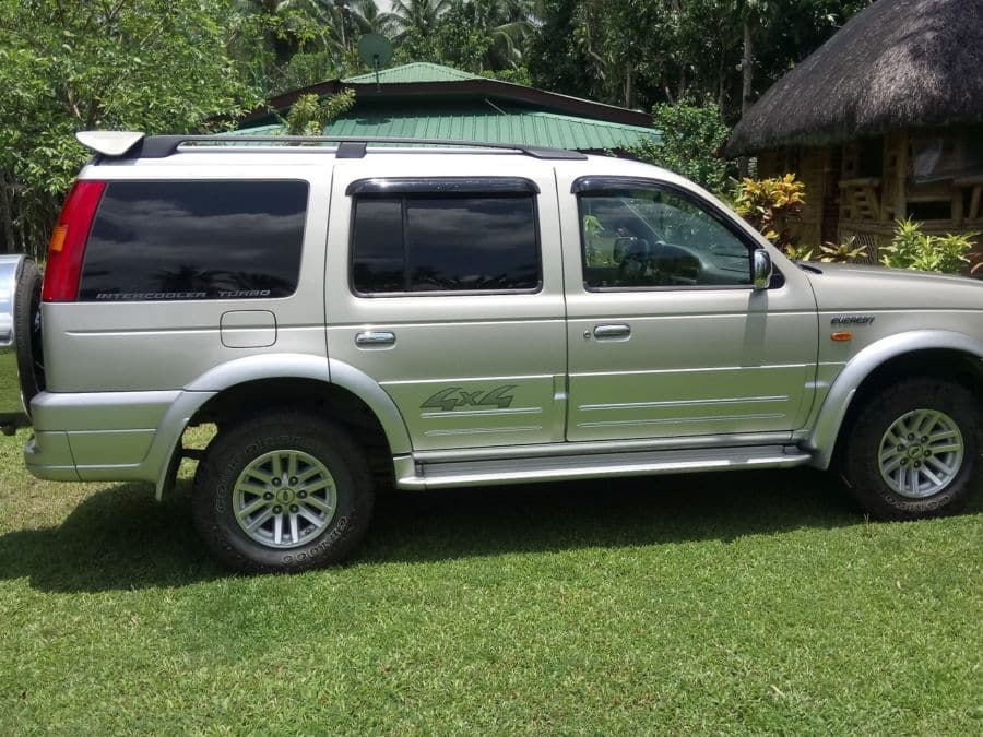 2006 Ford Everest - Right View