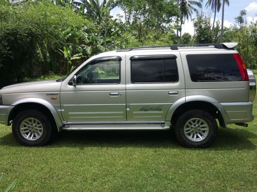 2006 Ford Everest - Left View