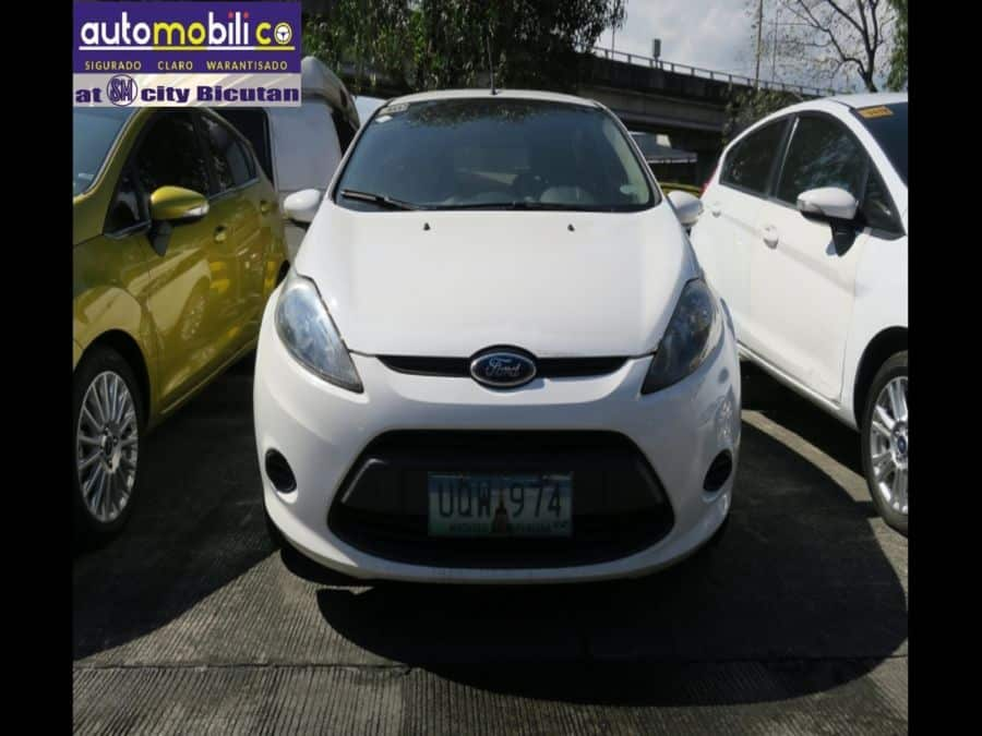 2013 Ford Fiesta - Front View