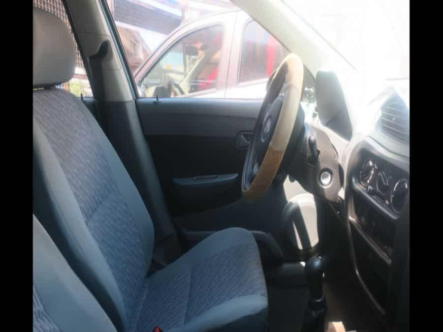 2016 Suzuki Alto - Interior Front View