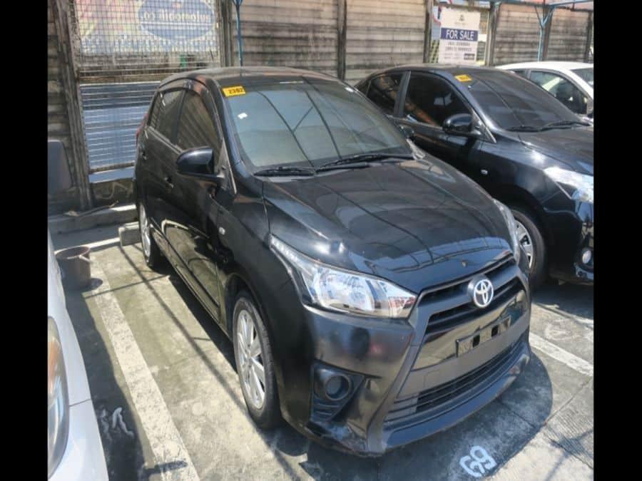 2015 Toyota Yaris - Right View