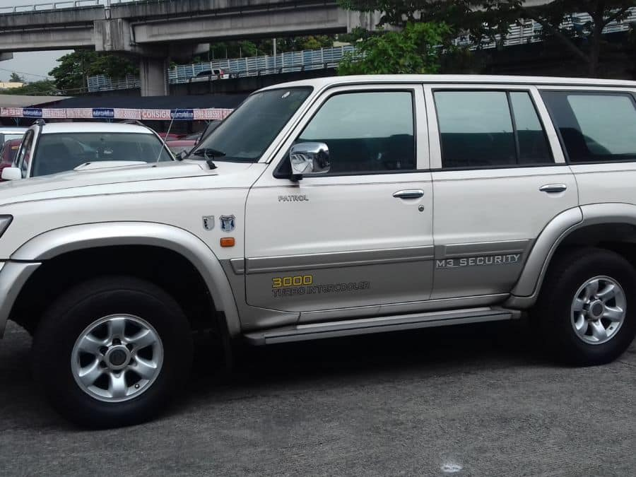 2002 Nissan Patrol - Left View