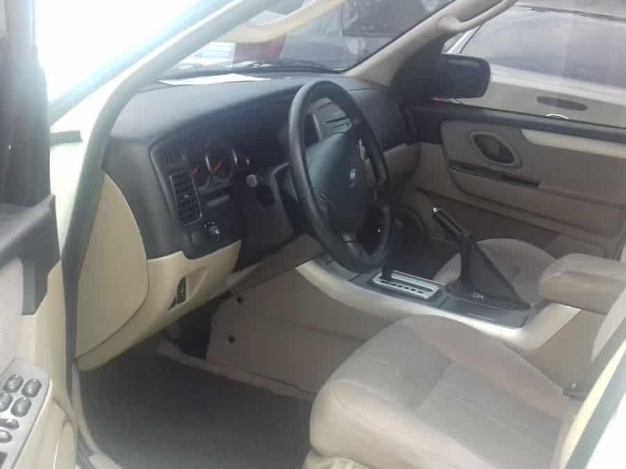 2012 Ford Escape - Interior Front View