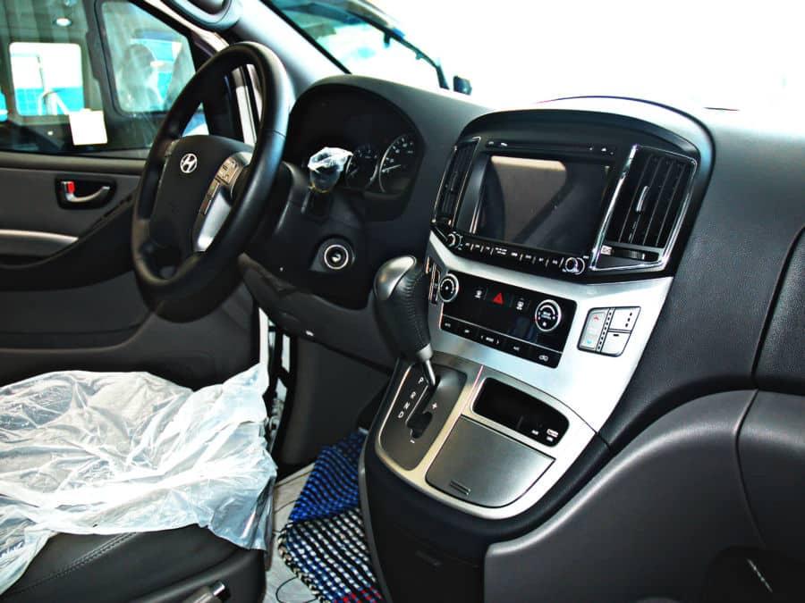 2016 Hyundai Grand Starex - Interior Rear View