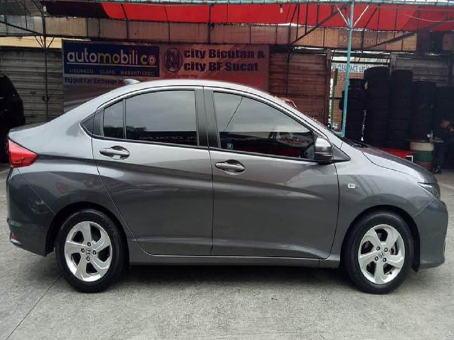 2015 Honda City E - Right View