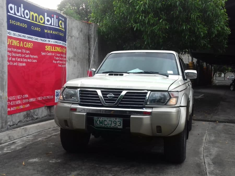 2002 Nissan Patrol - Front View