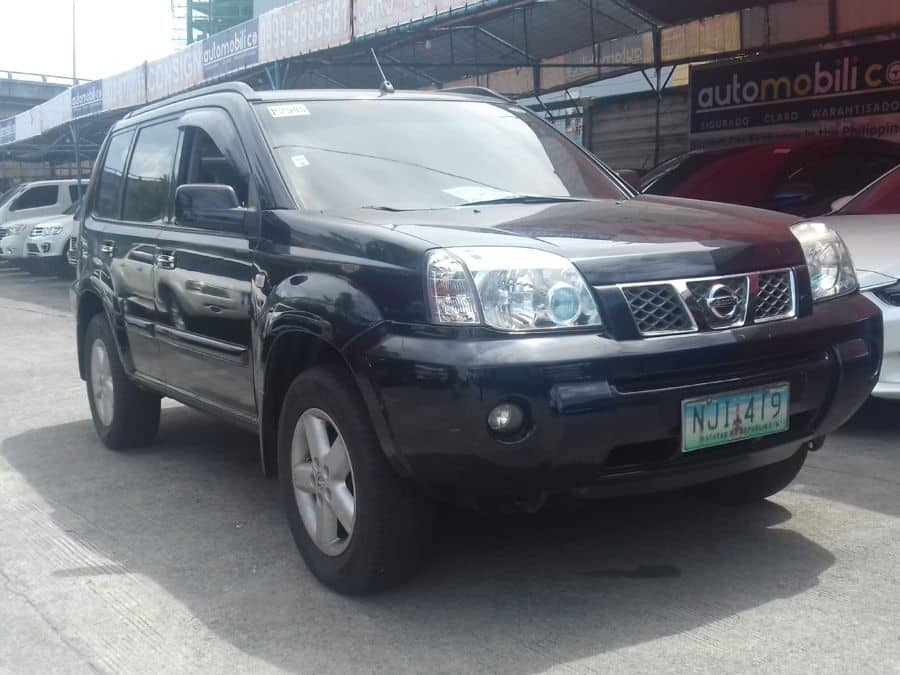 2009 Nissan X-Trail - Right View