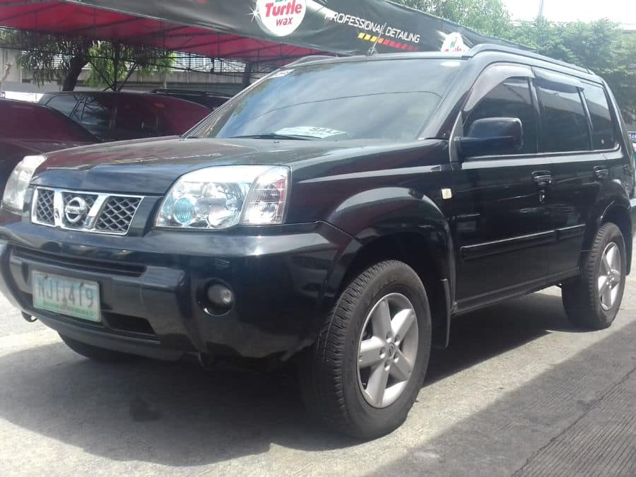 2009 Nissan X-Trail - Left View