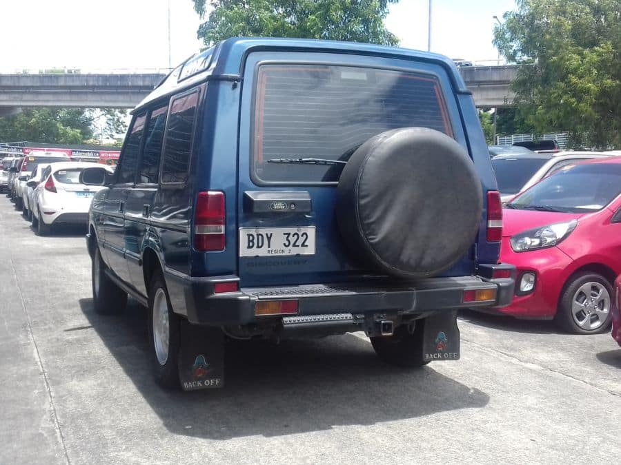 1991 Land Rover Discovery - Rear View