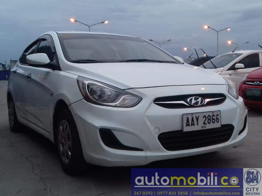 2014 Hyundai Accent - Left View