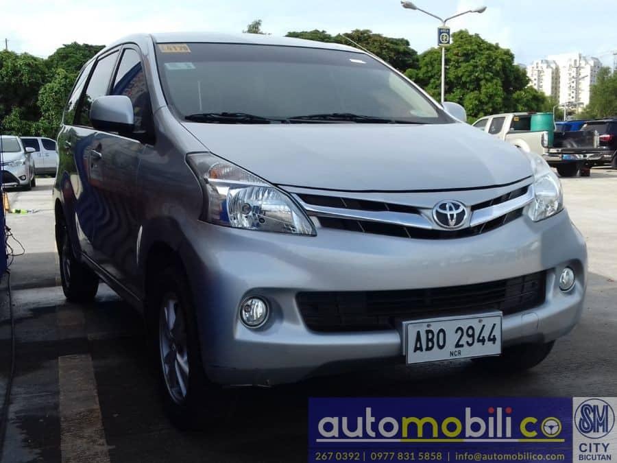 2015 Toyota Avanza - Right View
