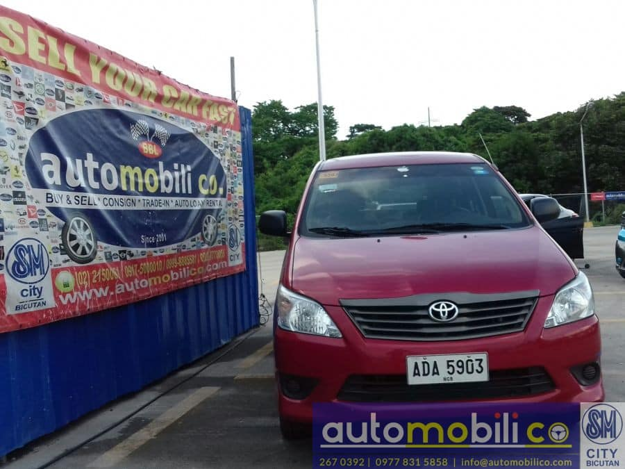 2014 Toyota Innova J - Front View