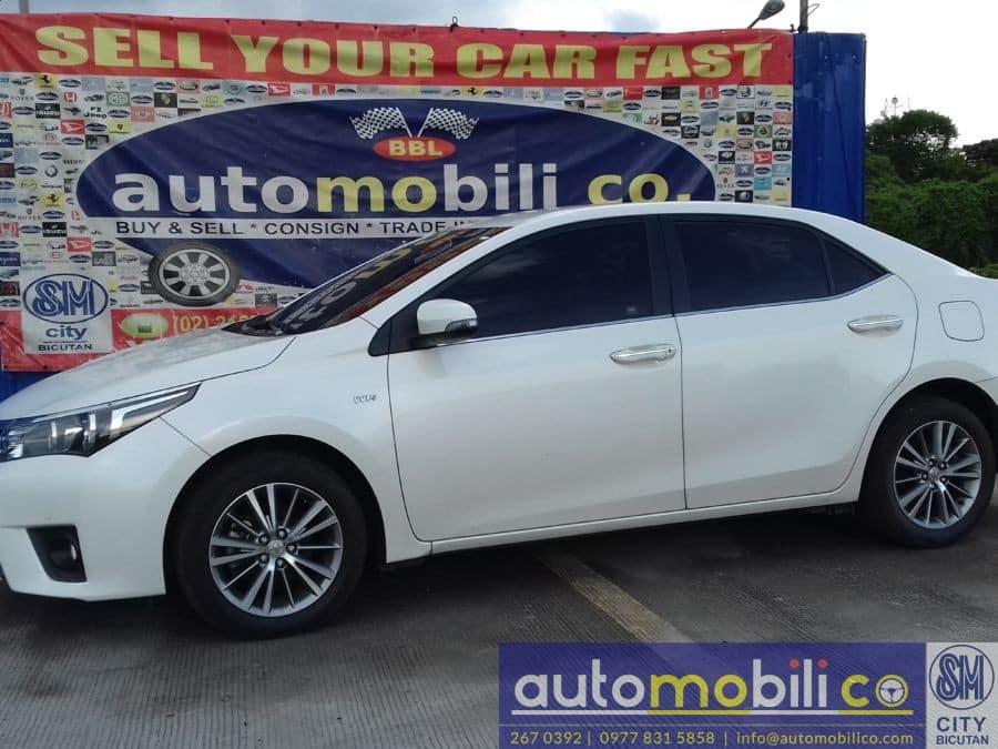 2015 Toyota Corolla Altis - Interior Front View