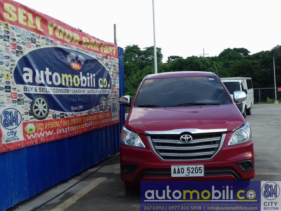 2014 Toyota Innova E - Front View