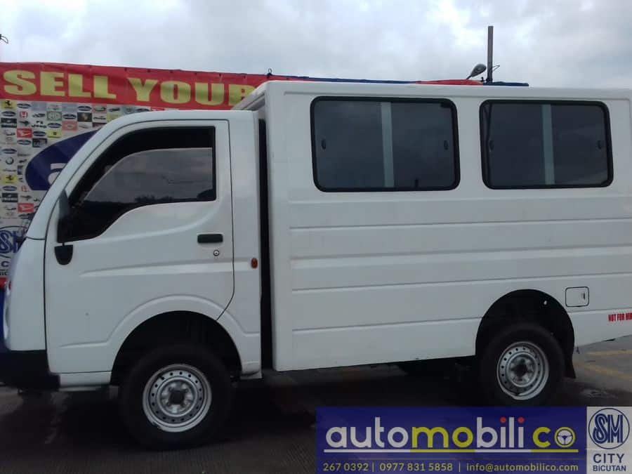 2015 Tata Ace - Right View
