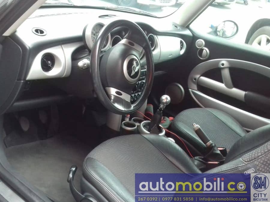2002 Mini Cooper - Interior Rear View