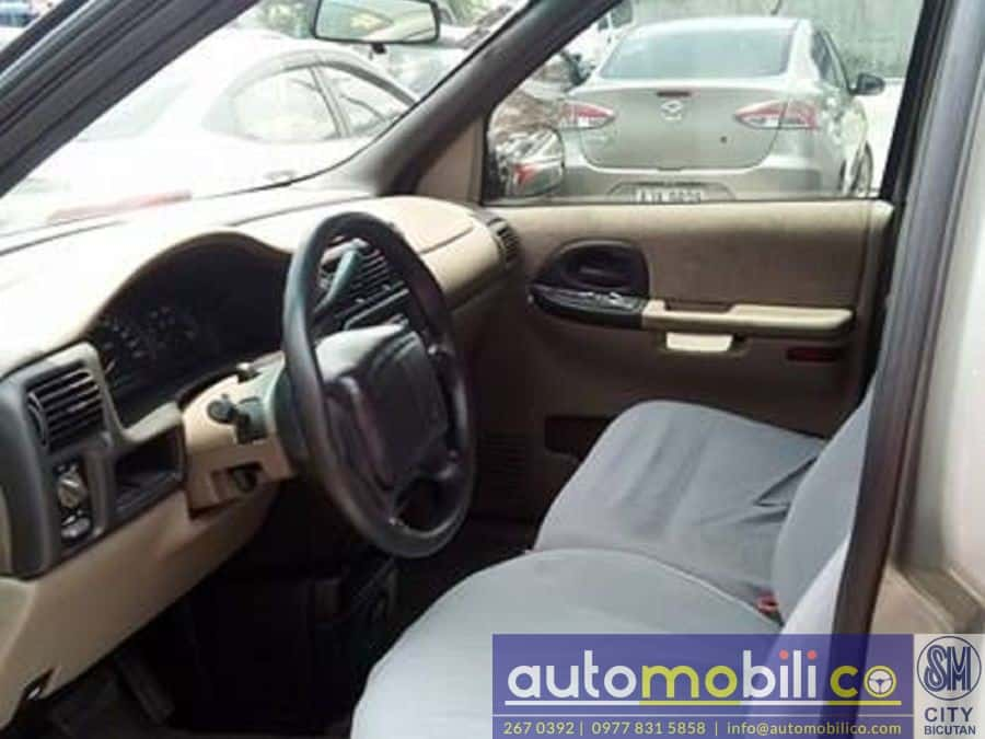 2003 Chevrolet Venture - Interior Front View