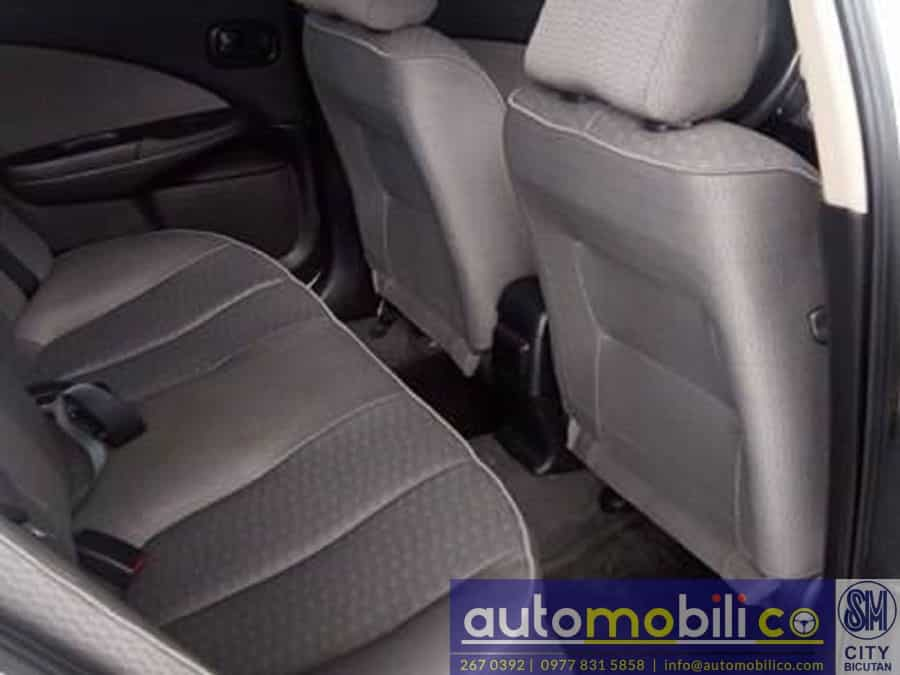 2004 Nissan Sentra - Interior Rear View
