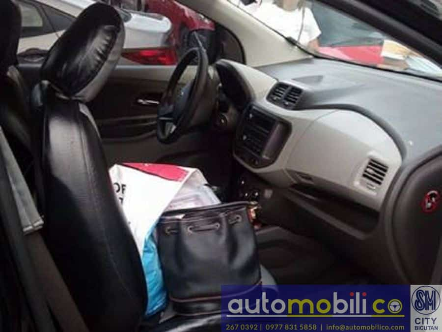 2015 Chevrolet Spin - Interior Rear View