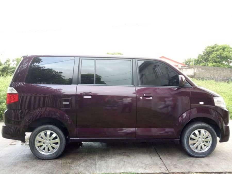 2015 Suzuki APV - Right View