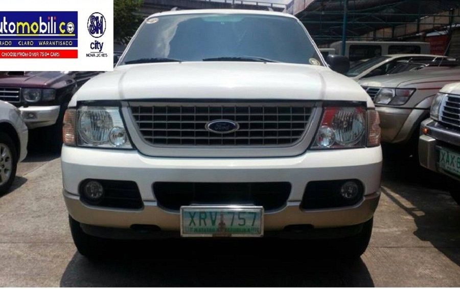 2005 Ford Explorer - Front View